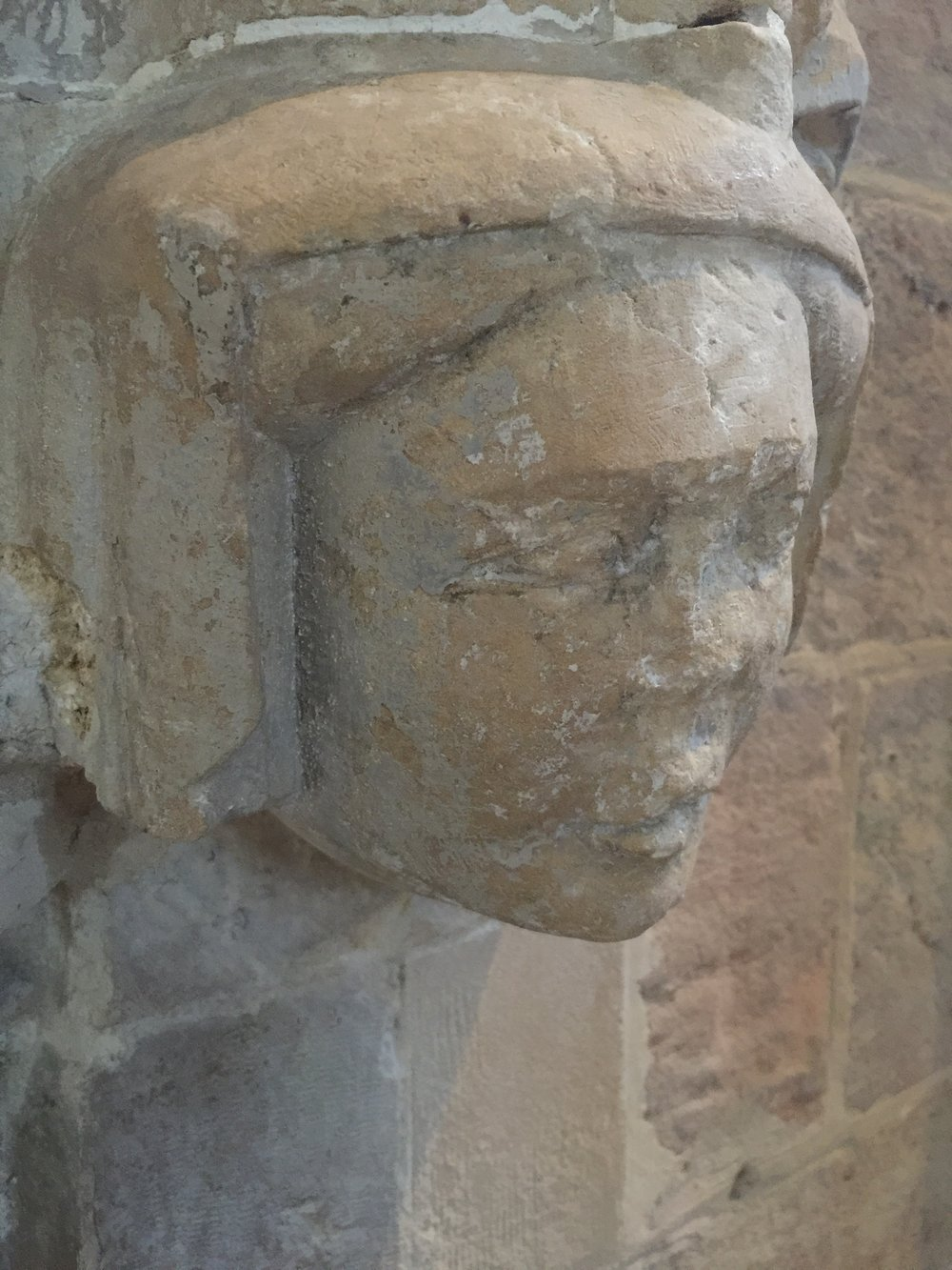 Effigy arch detail - right [side view]