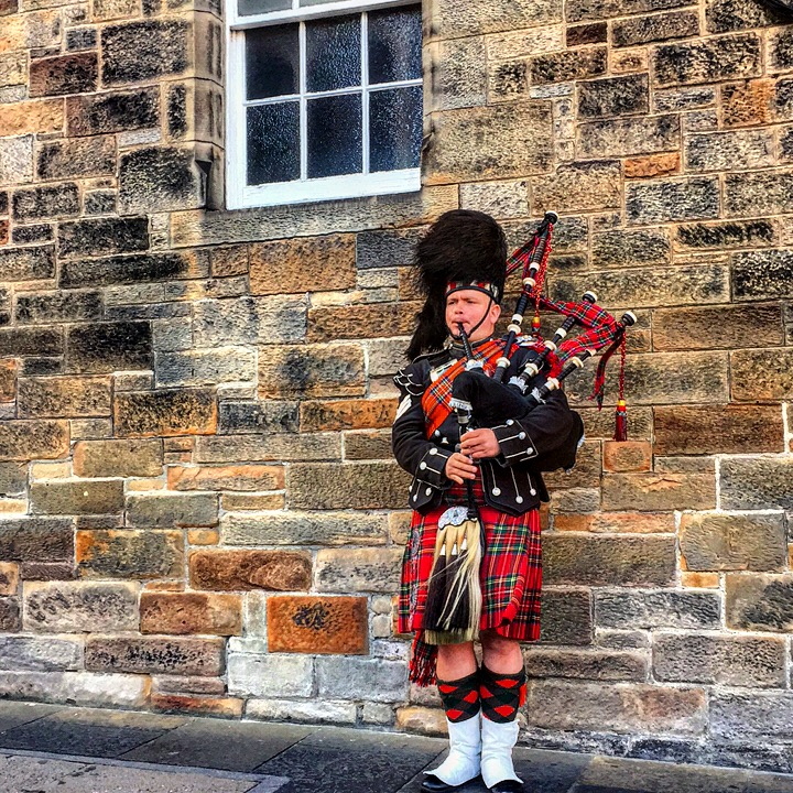 Bagpiper on the High Street in Edinburgh