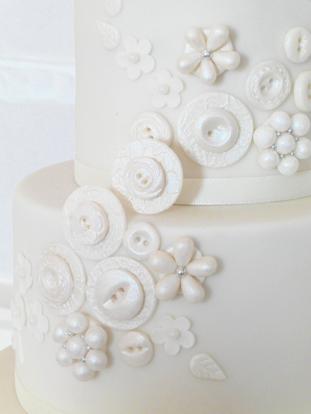 Sugar button wedding cake