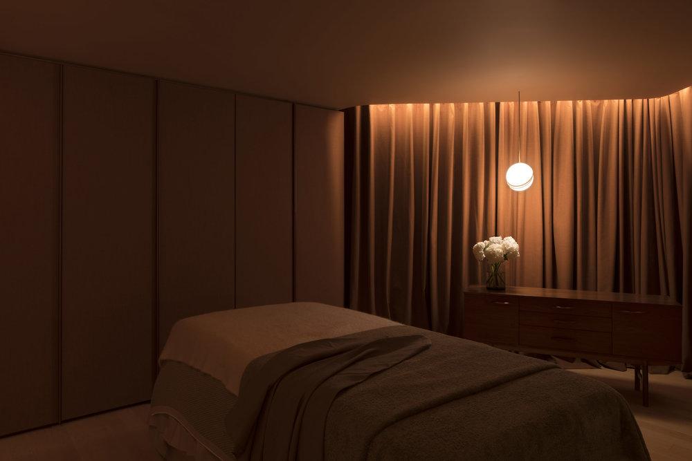 Aesop Harbour City Treatment Room HiRes-7.jpg
