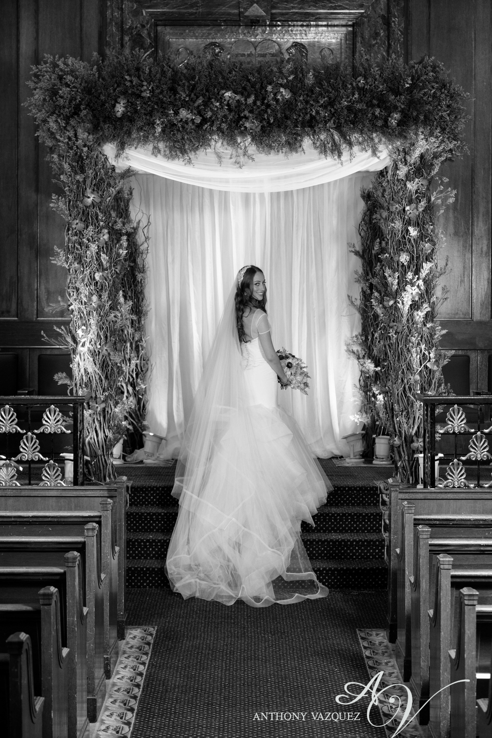 Carol_Hannah_Bridal_Custom_LaLune0467-Edit.jpg