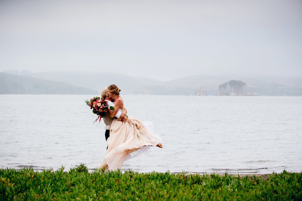 Carol Hannah Bridal Tritea, Kensington, Sequin Smoking Jacket Silver Linings Veil750.jpg