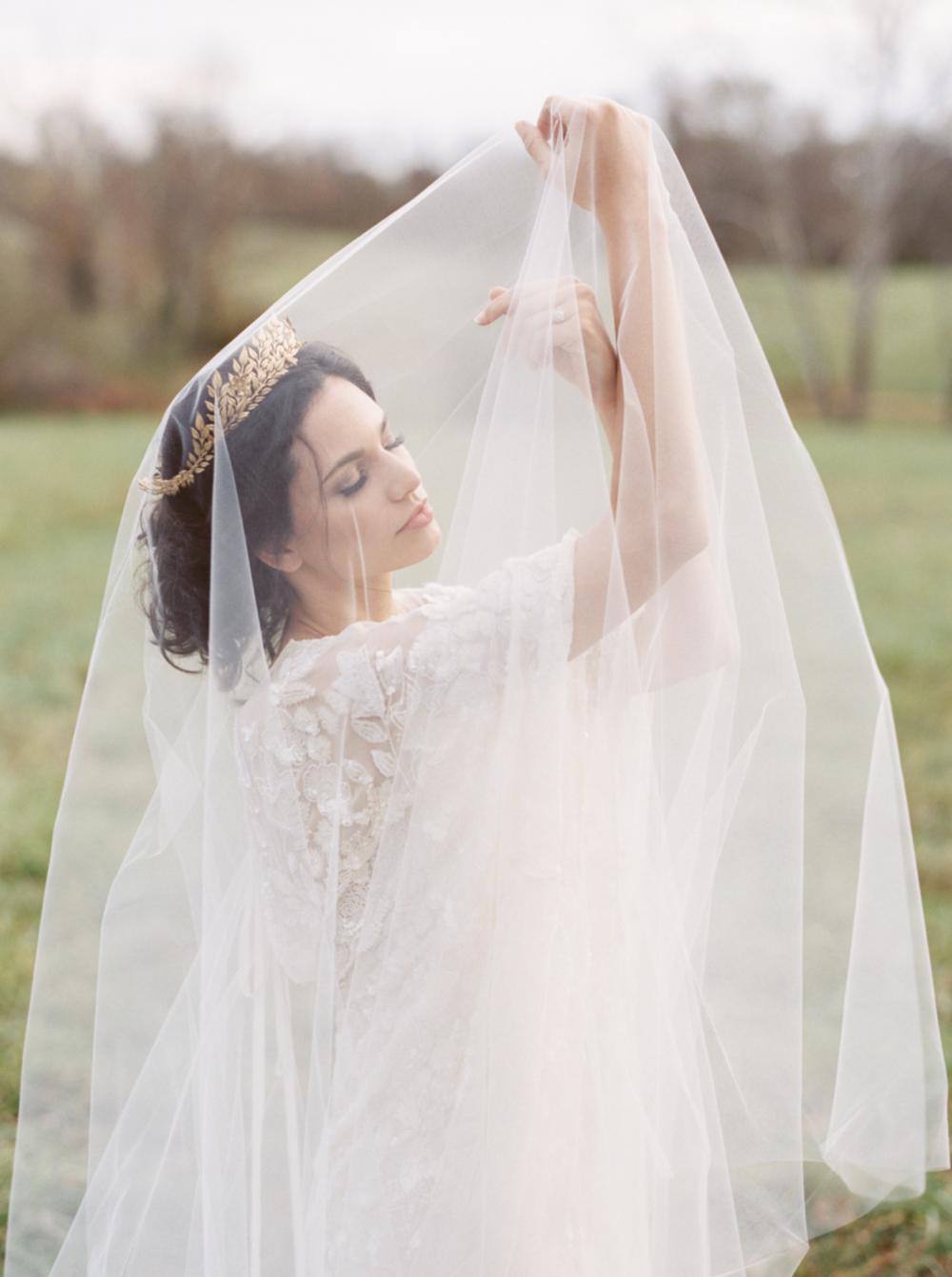 Carol Hannah Bridal Iolite Gown Shanon Moffit Photography 22.png