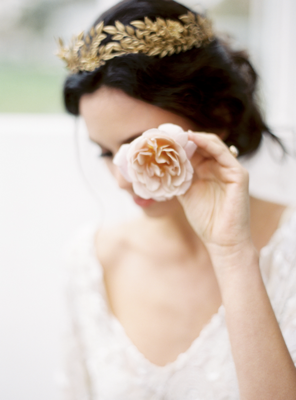 Carol Hannah Bridal Iolite Gown Shanon Moffit Photography 27.png