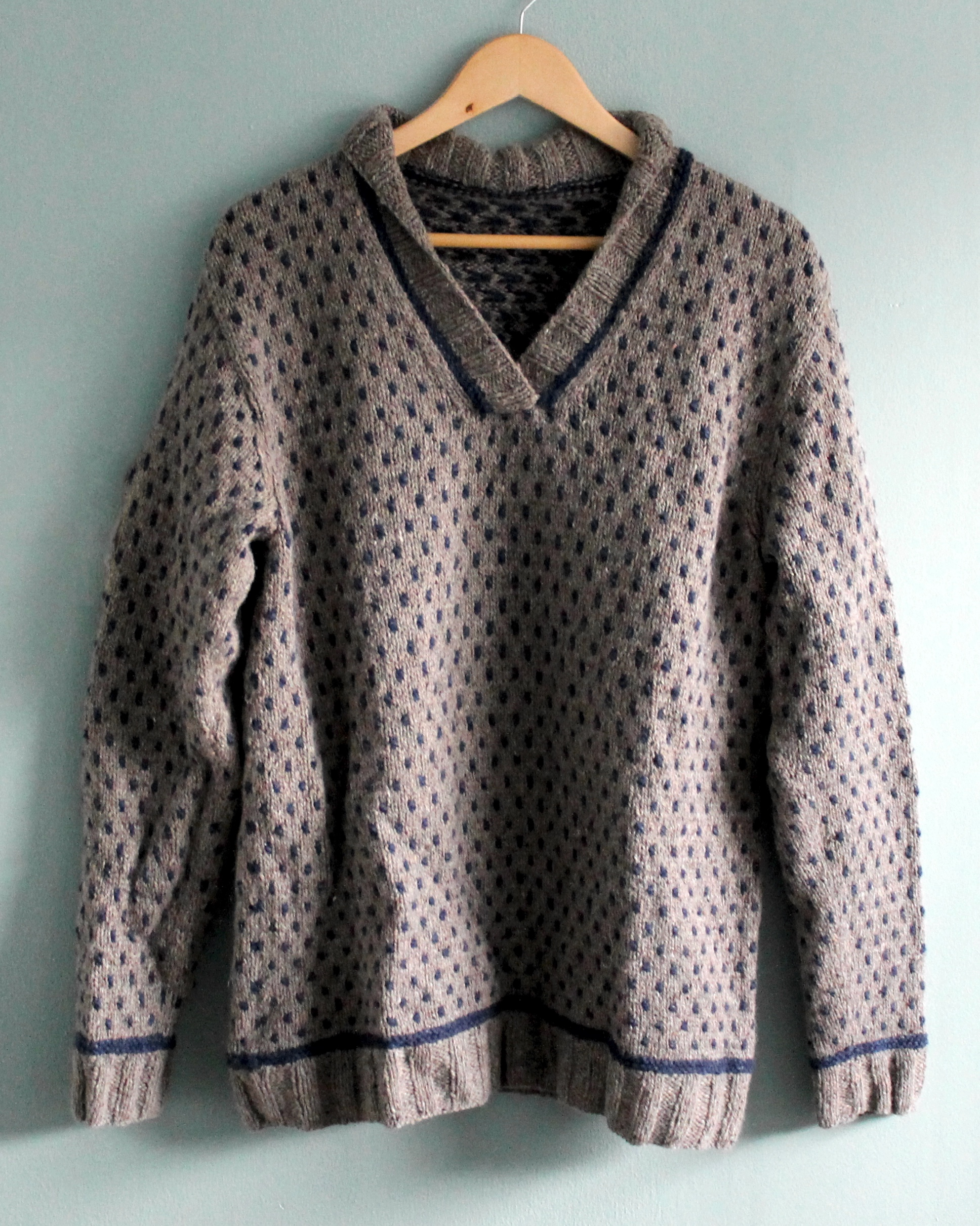 Warwick sweater in light brown and navy tweed Berroco yarn