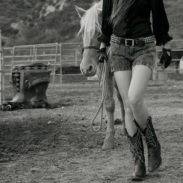 @marissamorales for Americana Magazine Issue #4⠀ #americanamagazine #western #horse by @mmfoto99