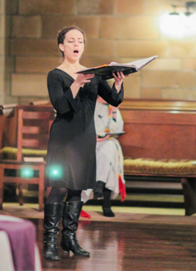 Eliz singing.png