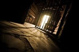 About Midnight Paul And Silas Were Praying Singing Hymns To God The Other Prisoners Listening Them Suddenly There Was Such A Violent