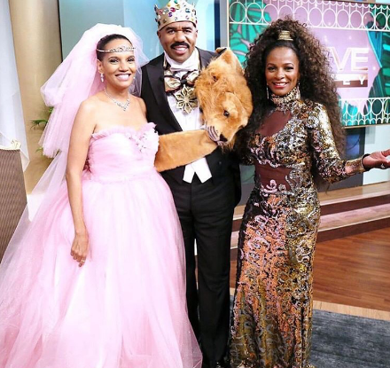 """Absolute Fav!!! Talk show host Steve Harvey as King Zamunda from one of my favorite movies """"Coming to America"""". He was joined by two original leading ladies. Shari Headley as Lisa McDowell and Vanessa Bell Calloway as Imani Izzi. They haven't aged a bit. Absolute perfection!"""