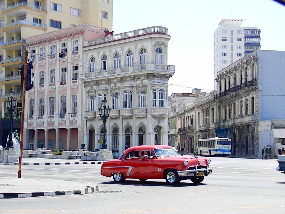 Red Car, Cuba