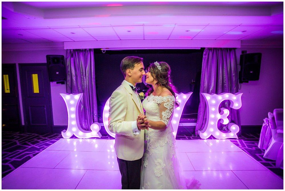 Village-Hotel-Wedding-Photography-Emma-Justin_0062.jpg