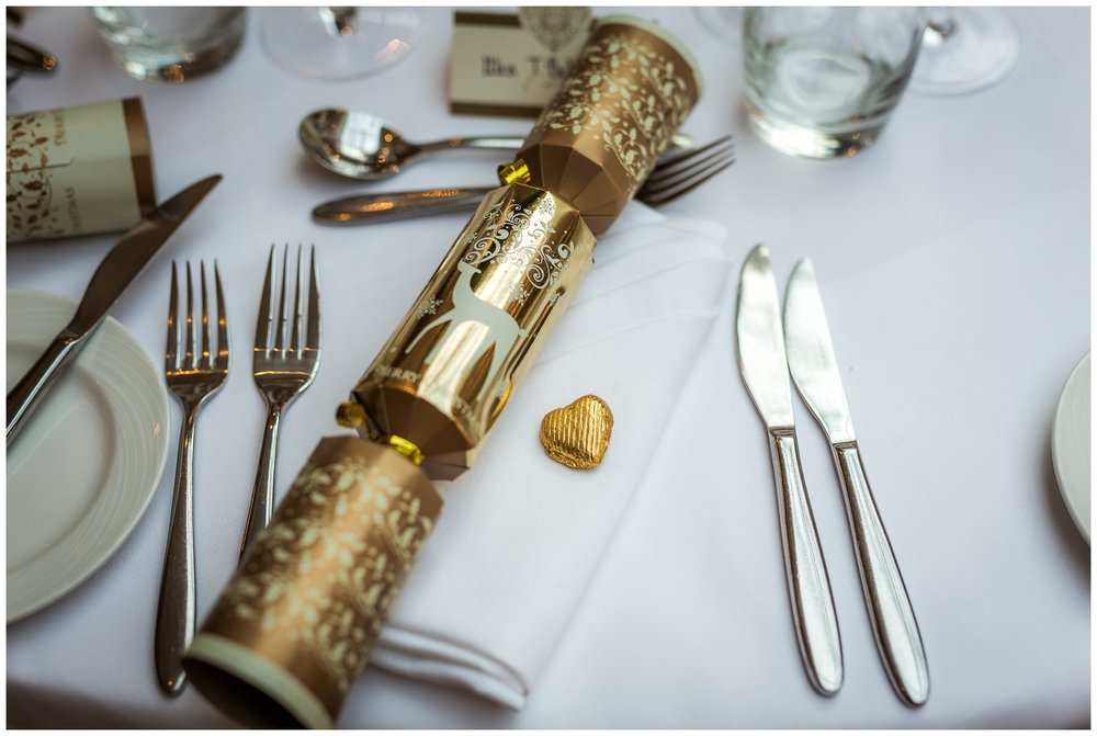 picture of christmas cracker used as wedding favours