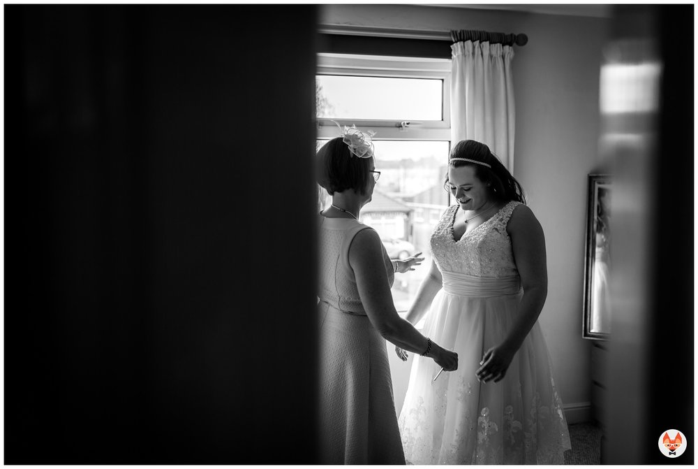mum seeings bride in dress for first time