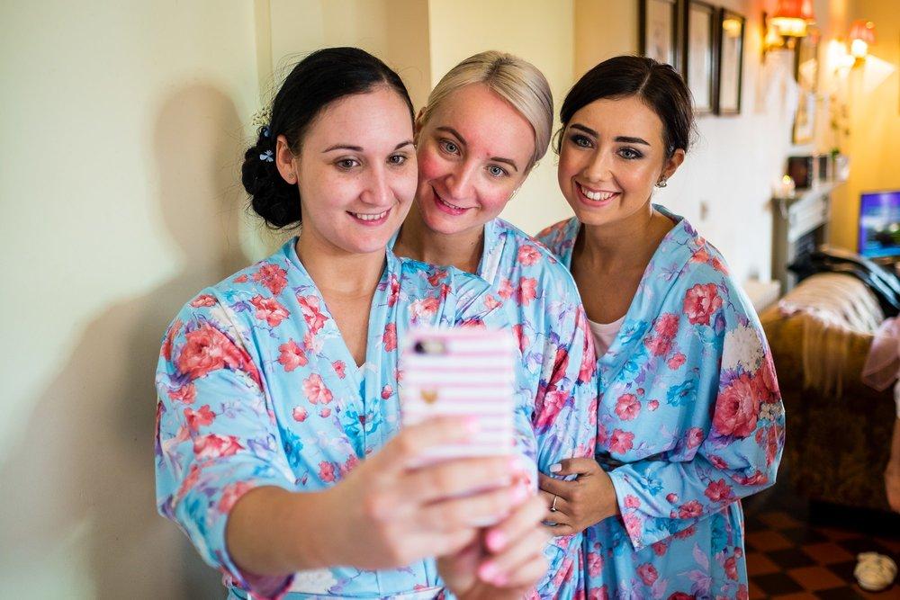bridesmaids doing a selfie