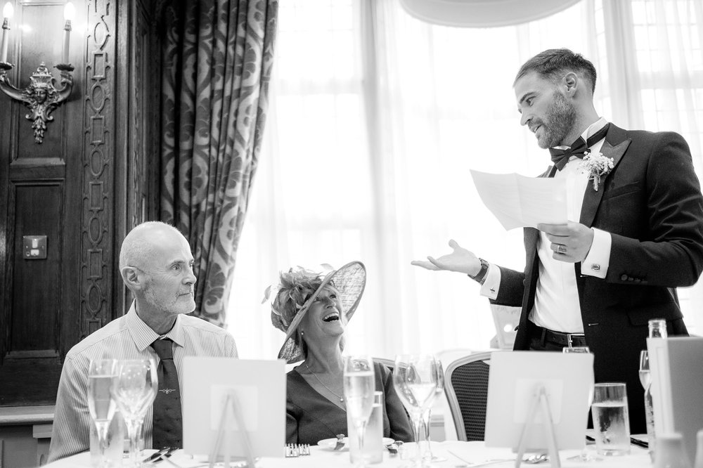 groom thanking parents