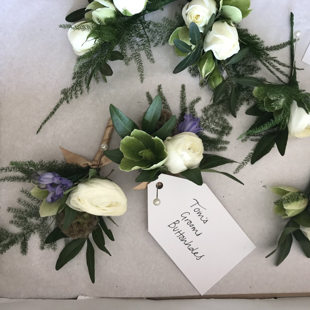 This Floral Life Spring Wedding Buttonholes