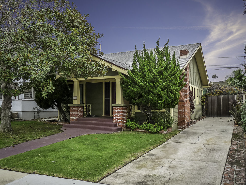 <p><strong>608 Elvira Ave, Redondo Beach</strong>3 Bedroom   2 Bath SOLD - $1,200,000<a href=/608-elvira>More →</a></p>