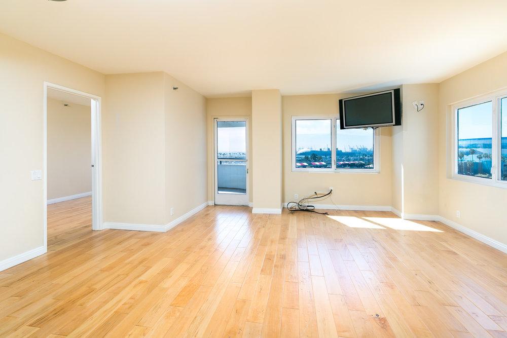 <p><strong>525 E Seaside Way #604, Long Beach</strong>2 Bedroom   2 Bath $559,000<a href=/525-e-seaside-way-604>More →</a></p>