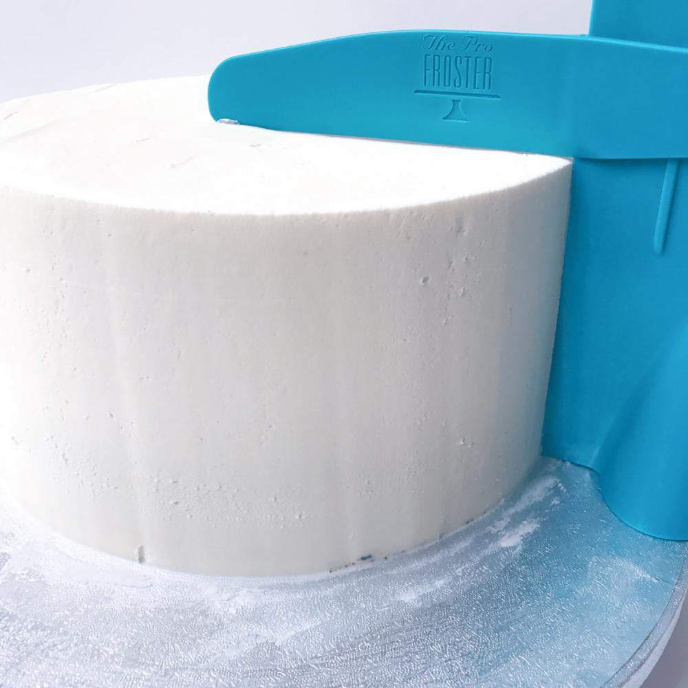 Profroster Adjustable Cake Scraper