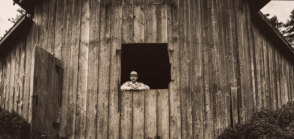 PORTRAIT OF PHOTOGRAPHER JAY DUSARD