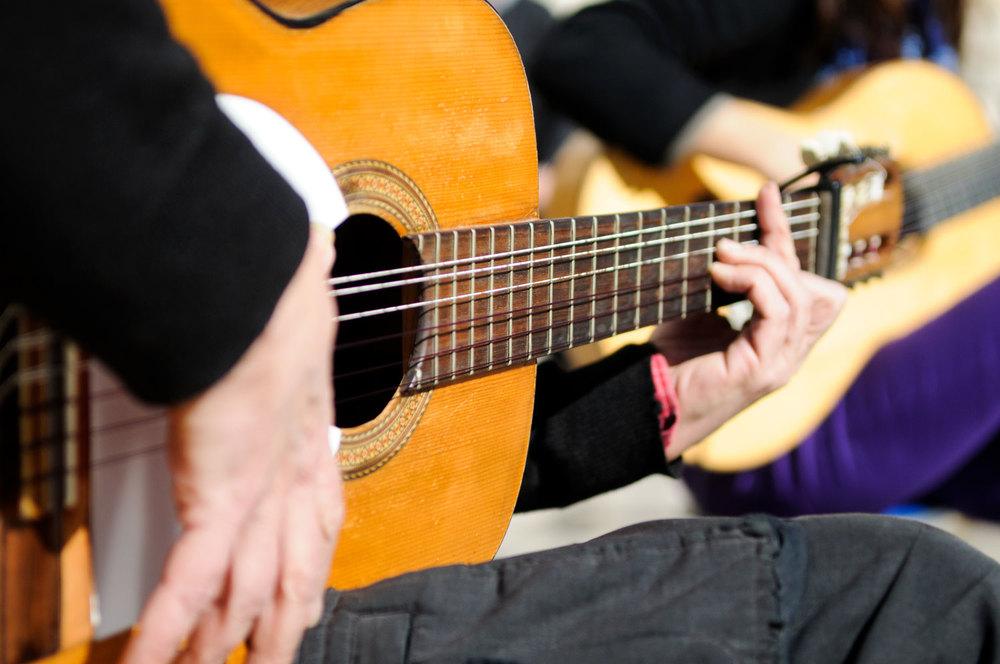 Spain-Spanish-Guitar-sm.jpg