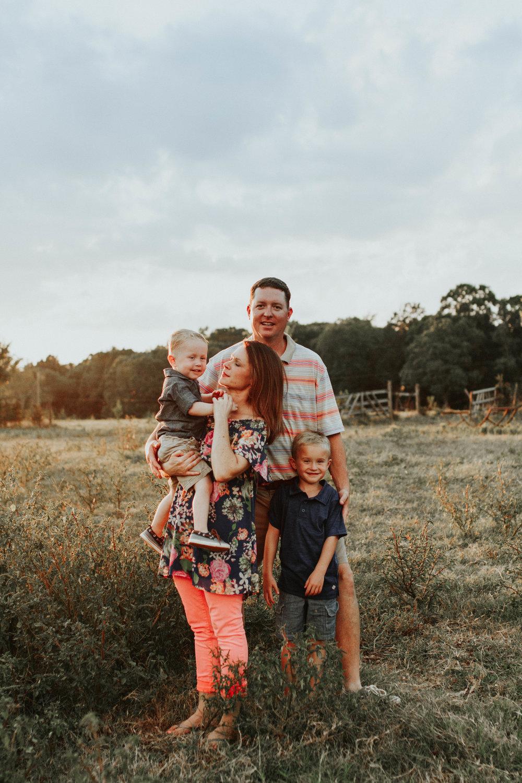 Daniel Sherer Family_2865.jpg