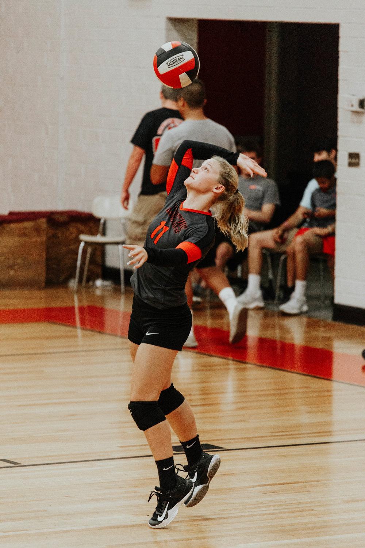 Senior Volleyball_4795.jpg