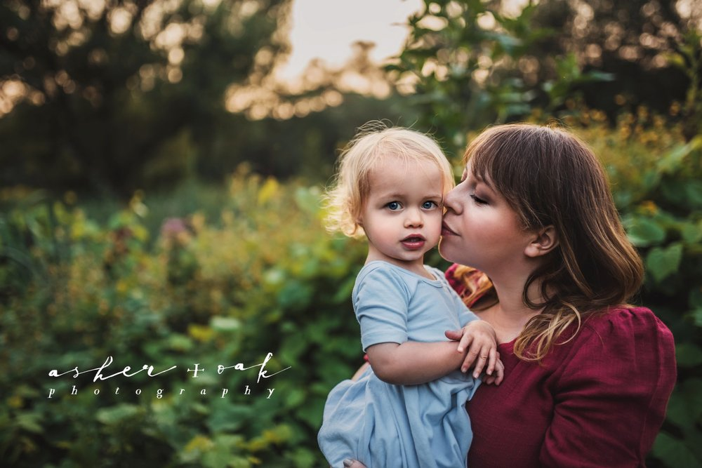 Massachusetts_Family_Photographer_Portrait_Toddler_Kiss_Love_Arnold_Arboretum_Boston_Asher_and_Oak_Photography.jpg