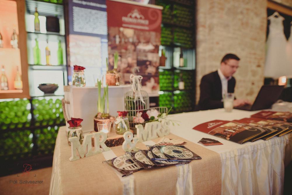 Páli-Szilveszter-székesfehérvári-esküvői-fotós-esztergom-prímás-pince-esüvőkiállítás-2016-01-23-70425.jpg