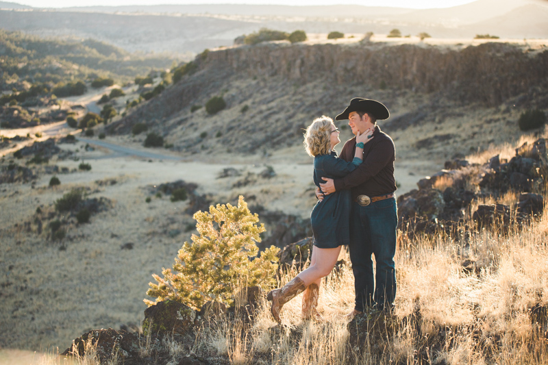 arizona_cowboy_engagement-24.jpg