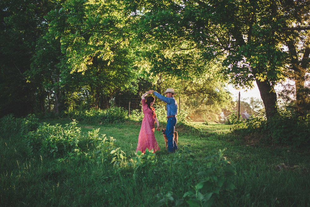 Tennessee Couple Portraits at Strong Stock Farm
