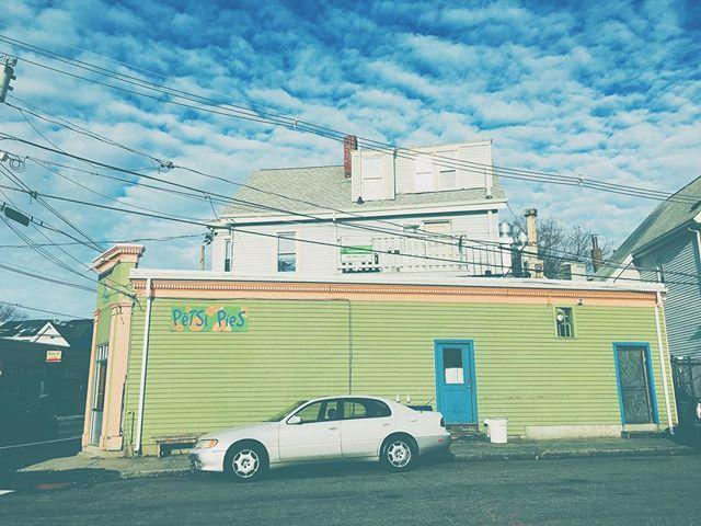 Cambridge, MA . . #clouds #sky #petsipies #cambridge #winter #boston #vscocam #photooftheday #vsco