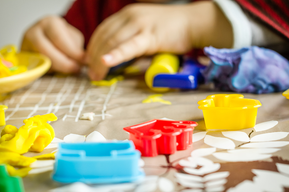 Independent play: what it is, why your kids need, and 6 tips for making it happen