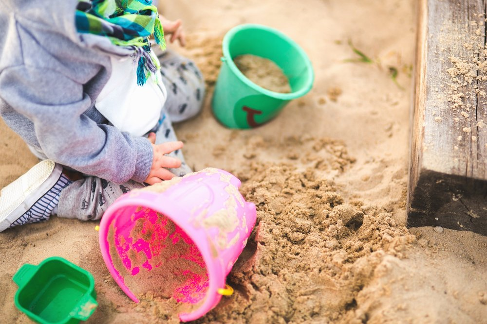 how independent play saves your motherhood