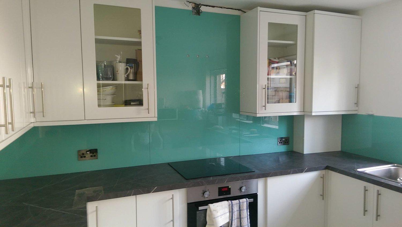 Turquoise Sparkle Splashback in East London — SUN STUDIO.London