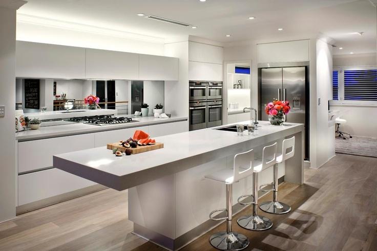 White Kitchen With Mirror Splashback. 02bbbbde546fa838961740e095f551fc Jpg