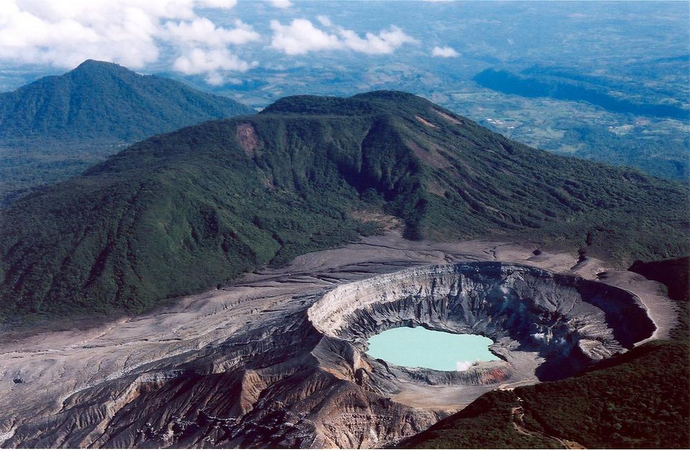 Volcán Poas a 30 minutos del hotel