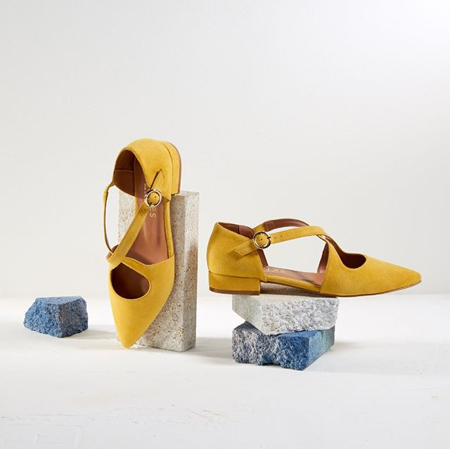 A splash of yellow to brighten your day. [Corey : Charles Cooper : Online & In Store] . . . . #fashion #feminine #hugosheppard #shoes #styling #melbourne #trending #fashionblogger #blogger #style #design #inspiration #instashoes #streetstyle #footwear #shoestyle #heels #flats #fashionable #styleblogger #fashion #emporiummelbourne #macquariecenter #basics #sydney #travelshoes #womenshoes