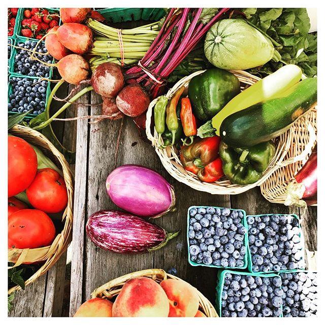 Weekend Farmer Bounty! #upstatelife #catskillstyle #catskillsliving #inthewoods #inthecountry #farmersmarket #sullivancatskills #sullivancounty #callicoonfarmersmarket