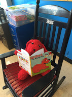 Clifford reads about Clifford!