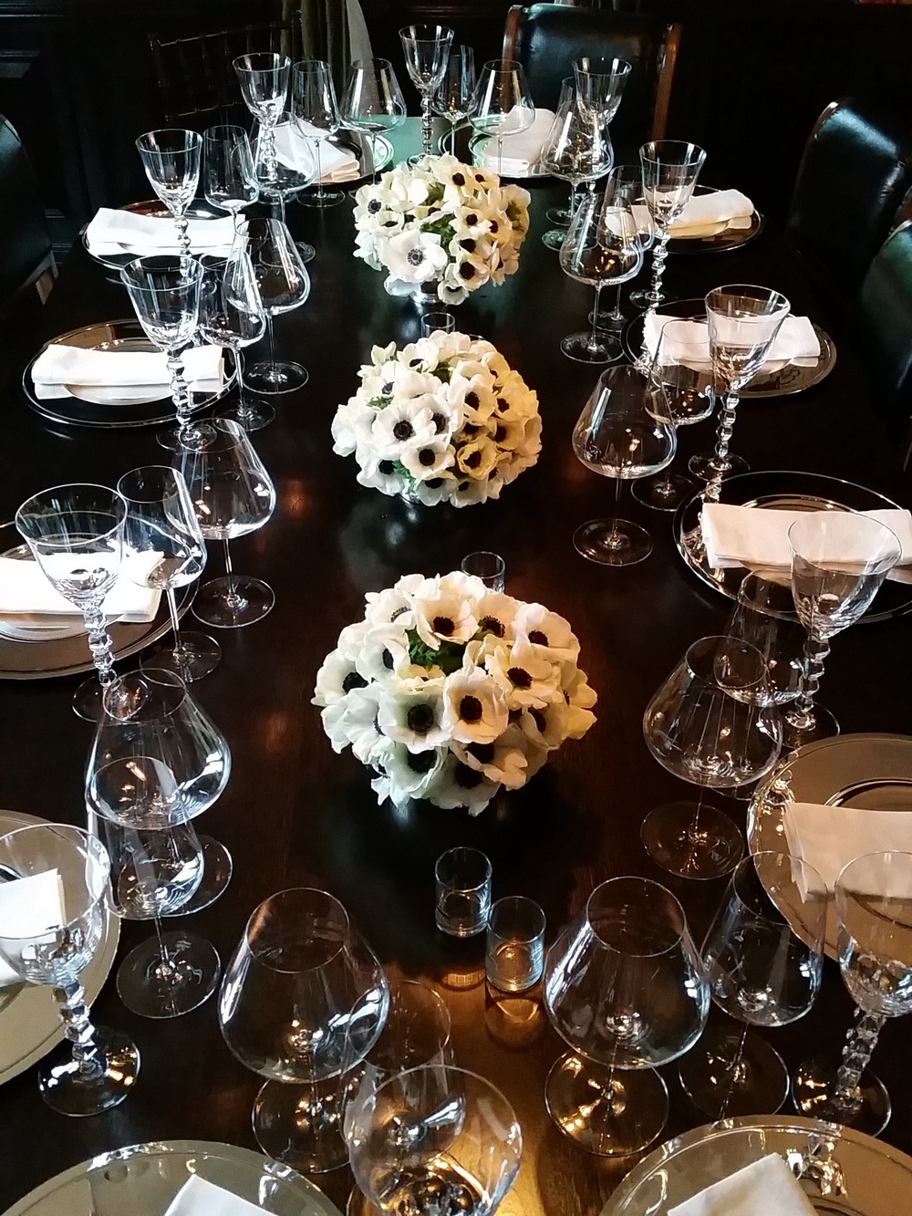 anemone tablescape flowers luxury los angeles, peony and roses, mixed arrangement flowers luxury los angeles, box of organic roses, lily lodge, los angeles, flowers, flowers in a box, west hollywood, flowers, luxury