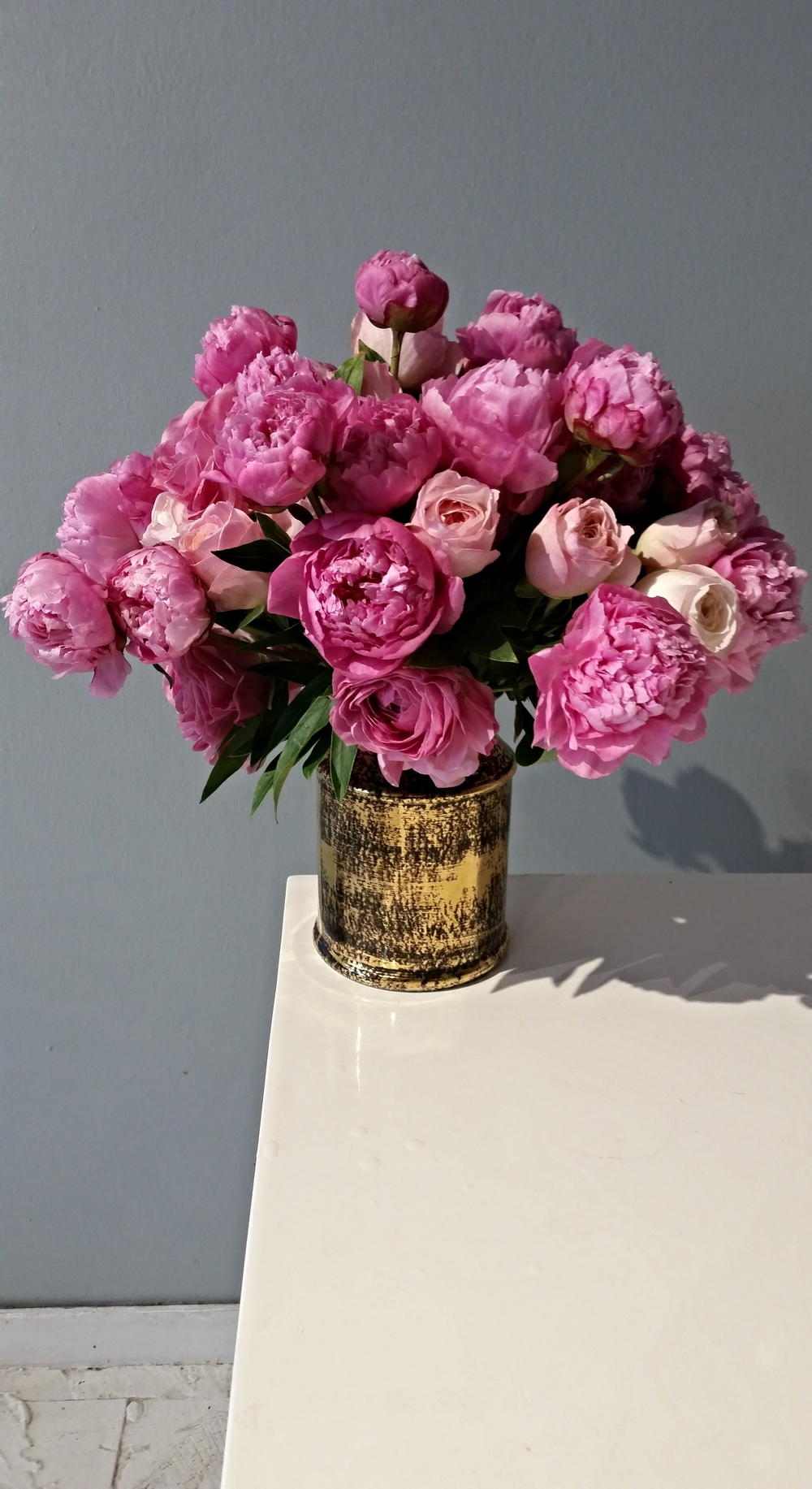 peony and roses, mixed arrangement flowers luxury los angeles, box of organic roses, lily lodge, los angeles, flowers, flowers in a box, west hollywood, flowers, luxury