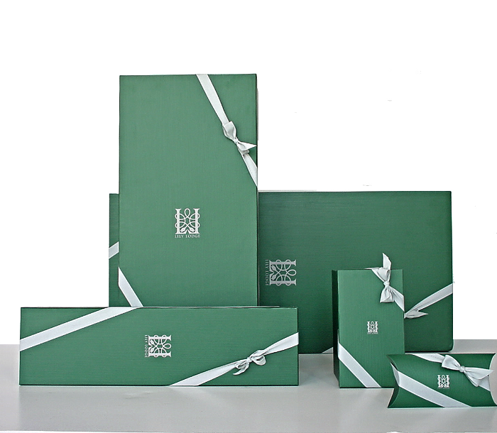 lily lodge boxes, signature packaging, floral boxes, lily lodge, los angeles, organic, beverly hills, west hollywood, flowers, custom,