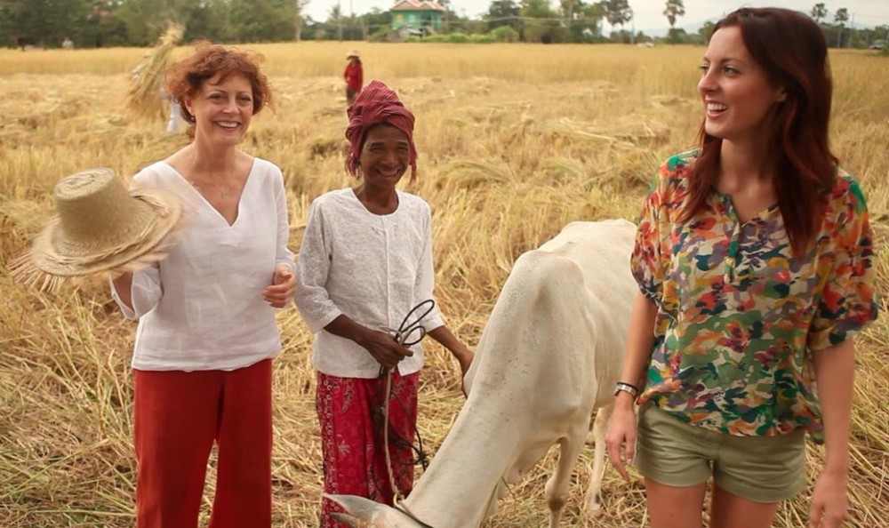 Susan Sarandon and Eva Amurri Martino in Cambodia. © Cause Effect Agency