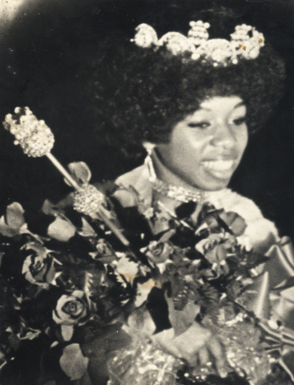 Ms. Thomas began her career in 1976 by producing a play for the U.S. Bicentennial in response to the Ebony Magazine cover story, What Did Blacks Contribute? She traced the history of Black women in fashion from the Great Queens of Africa, Cleopatra, Nefertiti and Makeda to Aretha, The Queen of Soul.
