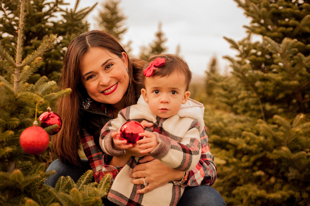 mother and daughter portrait photographer