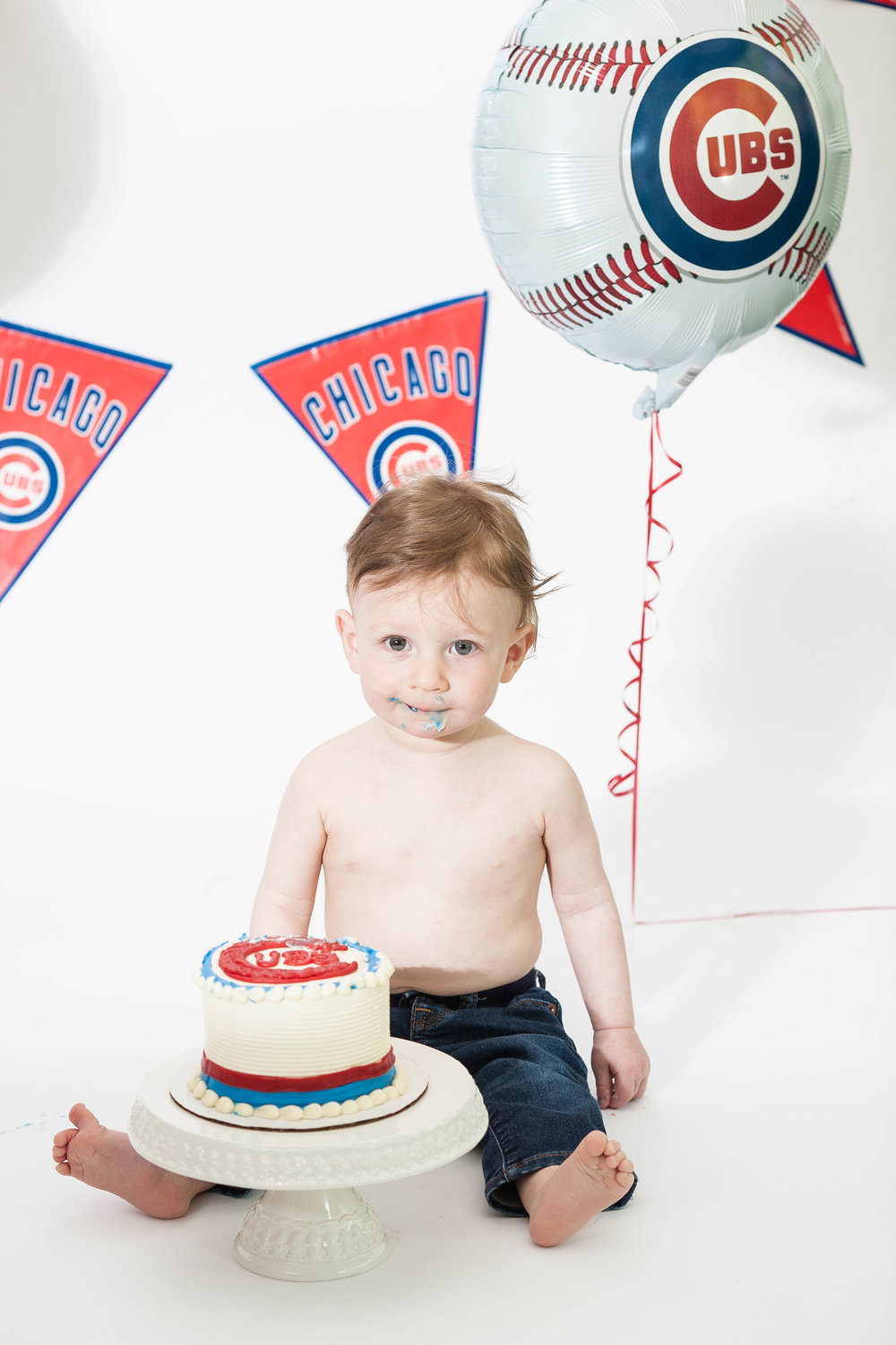 chicago cubs themed cake smash session
