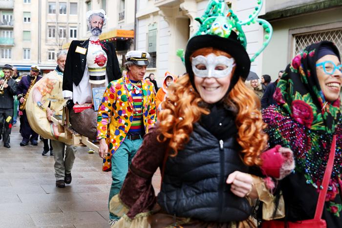 carnaval_bains_des_paquis_008.jpg