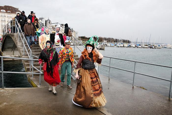carnaval_bains_des_paquis_014.jpg