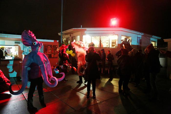 carnaval_bains_des_paquis_088.jpg